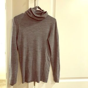 H&M Sweaters - H&M gray turtleneck